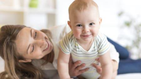 Срещу настинка при бебета през пролетта – полезни съвети